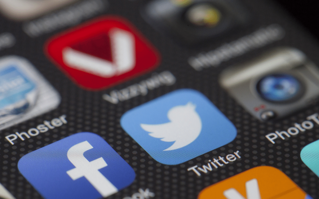 Twitter Facebook App
